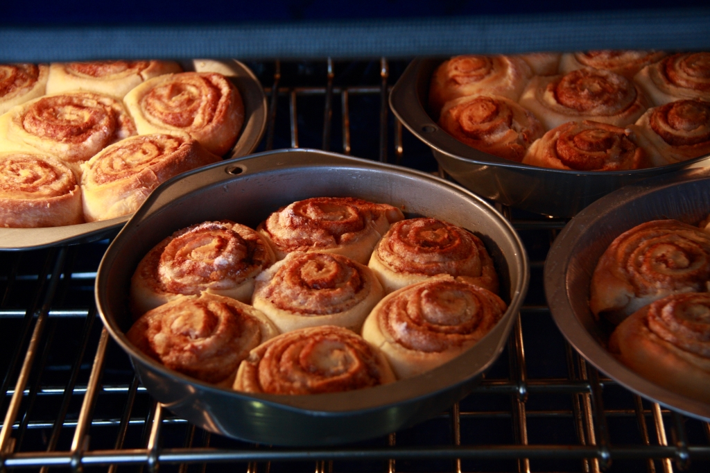 Pioneer Woman cinnamon rolls in the oven